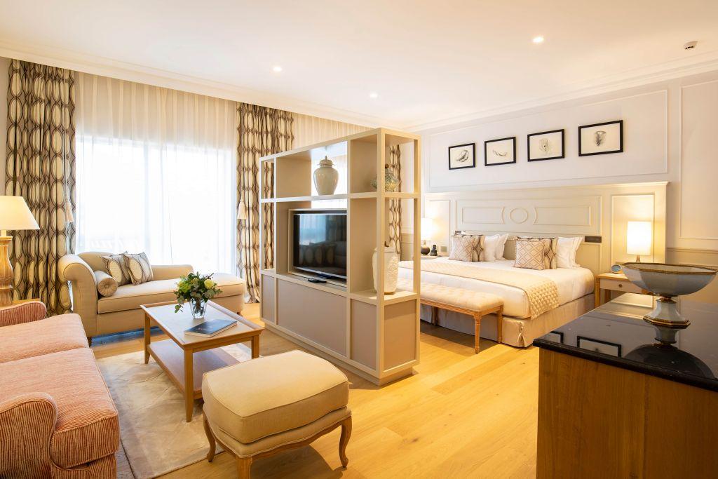 Hotel Chais Monnet Room