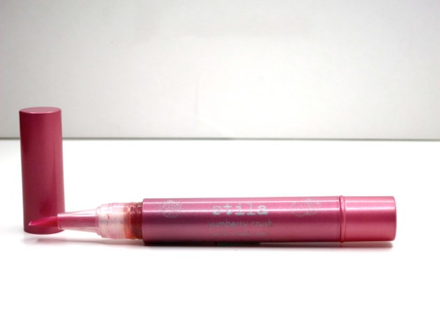 stila lip and chhek stain in yumberry crush