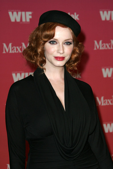 2009-short-curly-hairstyle-from-christina-hendricks4