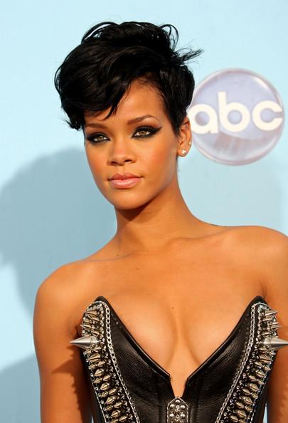 Rihanna+2008+American+Music+Awards+Press+Room+7gfYBBhl2sAl