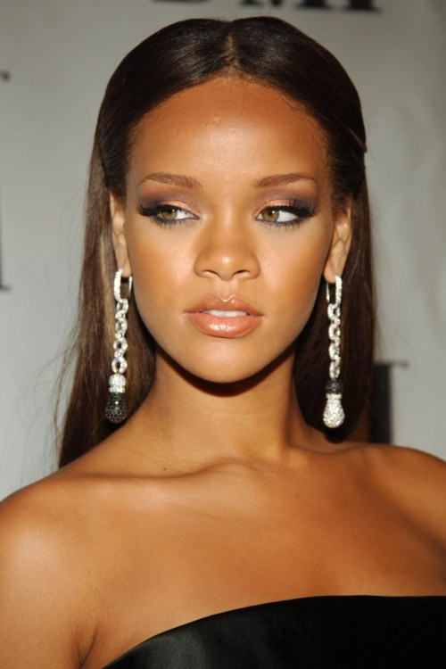 Rihanna_2006_BMI_Urban_Music_Awards_arrival_Ultimate-Rihanna_ru_007