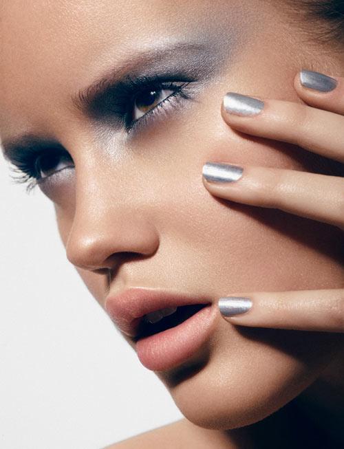 silver-makeup-look