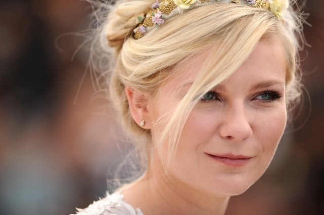 Kirsten-Dunst-On-the-Road-Cannes-2012