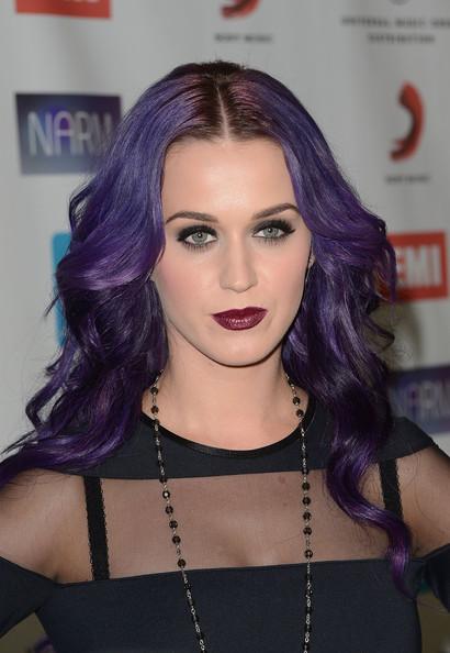 Makeup-Trend-Alert-Dark-Lipstick-2