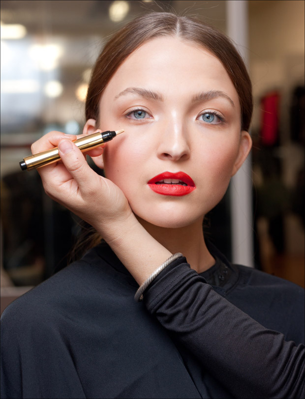 YSL-Backstage-Touche-Eclat-2