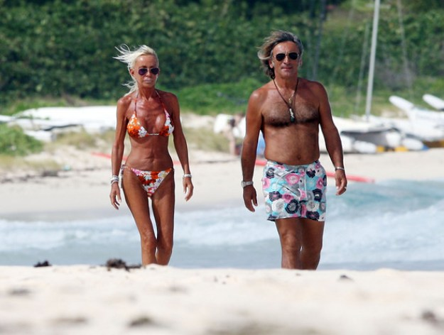 Donatella+Versace+Walking+Beach+L7Rc82JGuuml