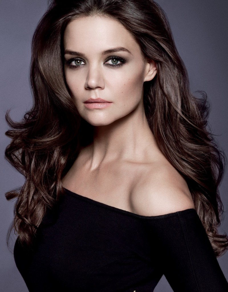 bellezza_e_salute__1_gesto_10_benefici__cc_cream_the_completekatie_holmes_alterna