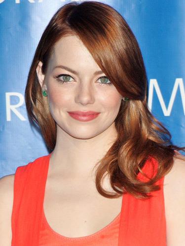 Emma-Stone-Coral-Lipstick