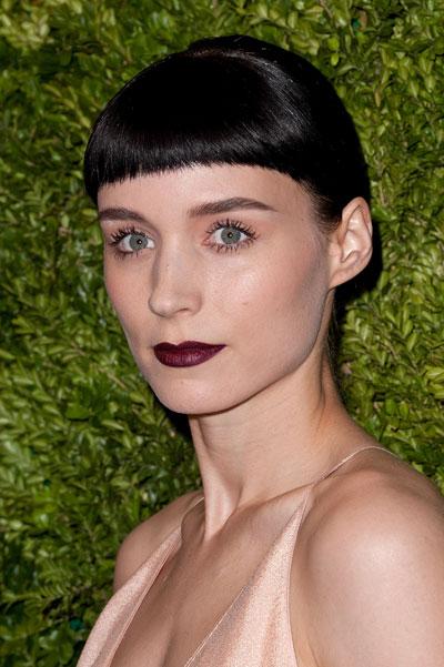 1115-rooney-mara-do-don-black-lipstick-bangs_bd