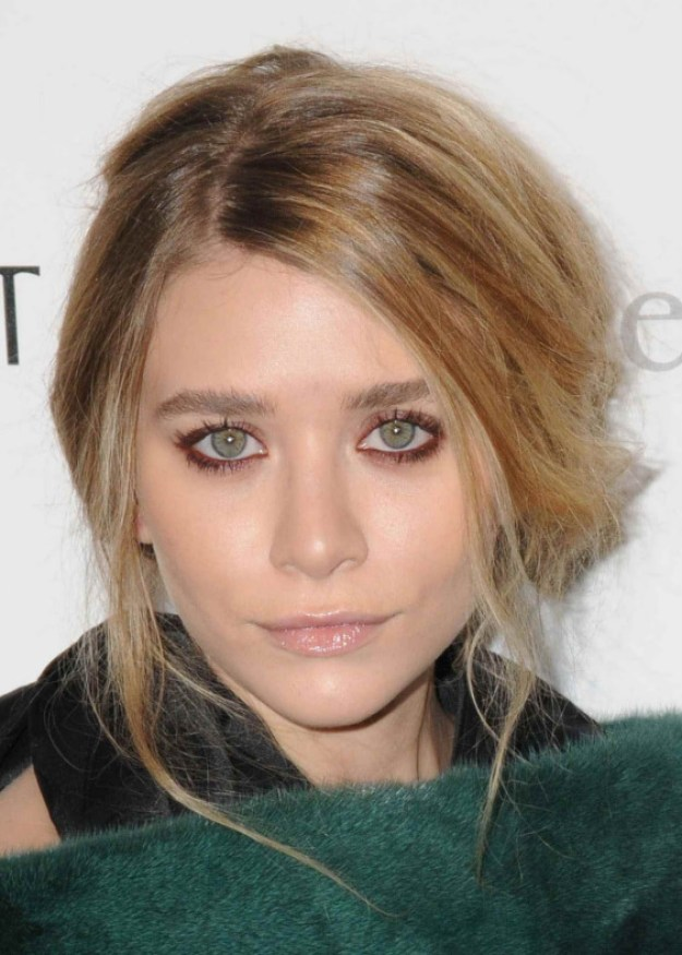ashley-olsen-make-up-red-pink-dark-cliomakeup