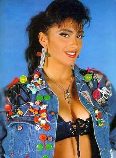 ok, non era bionda ma gli anni 80 li rappresenta benissimo! :-)