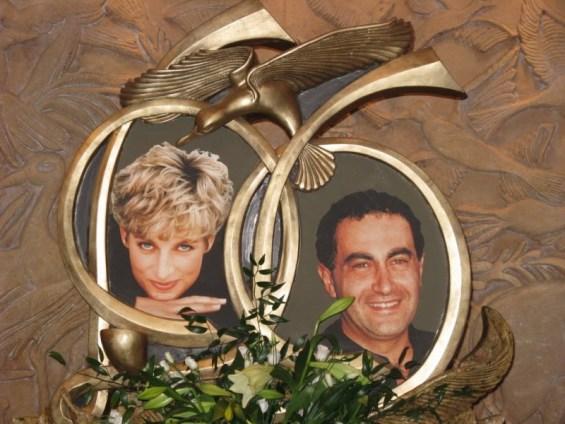 Nell'immagine ricordo insieme a Dodi Al Fayette, l'uomo con cui ha avuto una relazione dopo la separazione da Carlo, che morì con lei nell'incidente