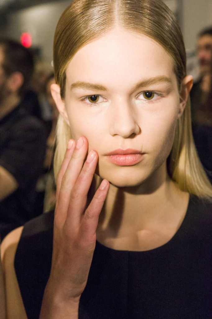 hbz-nail-trends-fw2014-nude-sheer-pink-04-deborah-lippmann-Narciso-Rodriguez-md