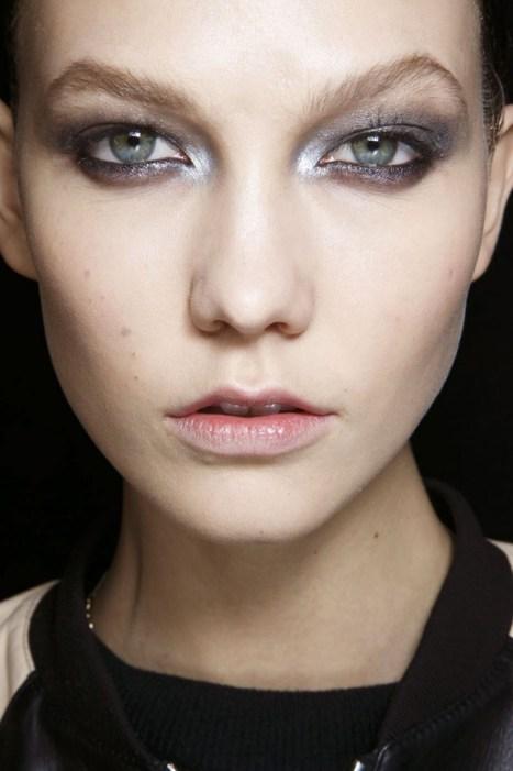 Donna Karan: da copiare l'idea dell'argento nell'angolo interno dell'occhio
