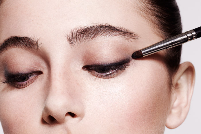 get-the-gloss-smokey-eye-tutorial-step-4