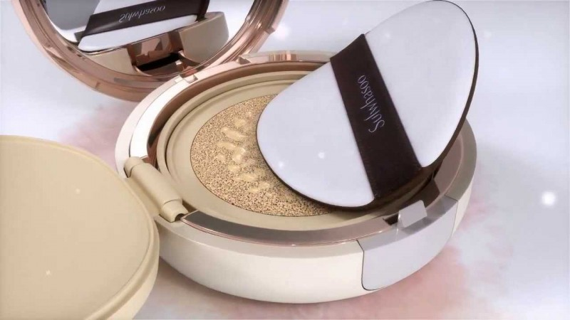 cliomakeup-fondotinta-cushion-deborah-kiko-mac-lancome-differenze-top