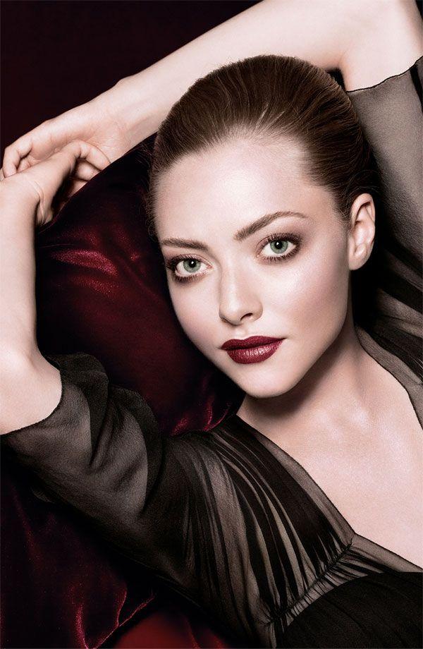 Amanda Seyfried-makeup-clio-burgundy