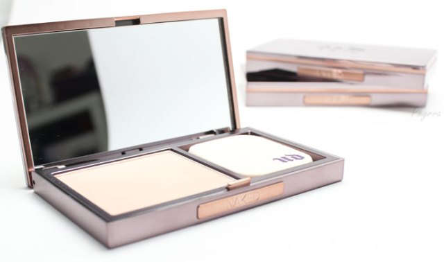 UD-Naked-Skin-Powder-Foundation-Review2