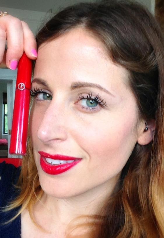 Può succedere diversi colori, ma se il rossetto mi piace.. pazienza! :D
