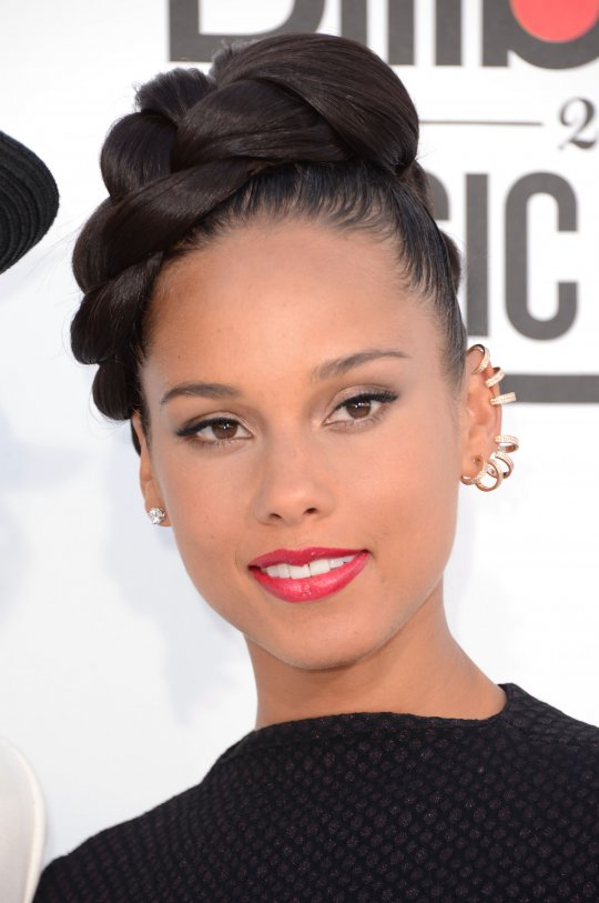 Alicia-Keys-earcuff
