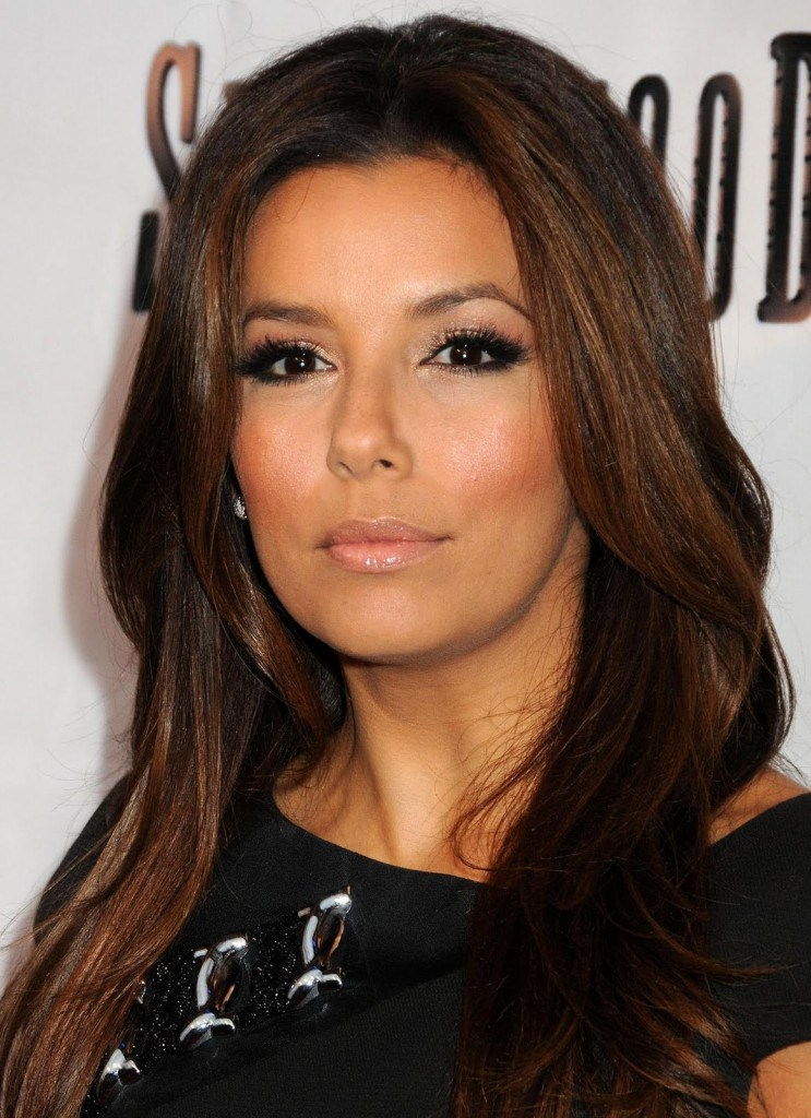 Eva-Longoria-9th-GLAD-make-up-743x1024
