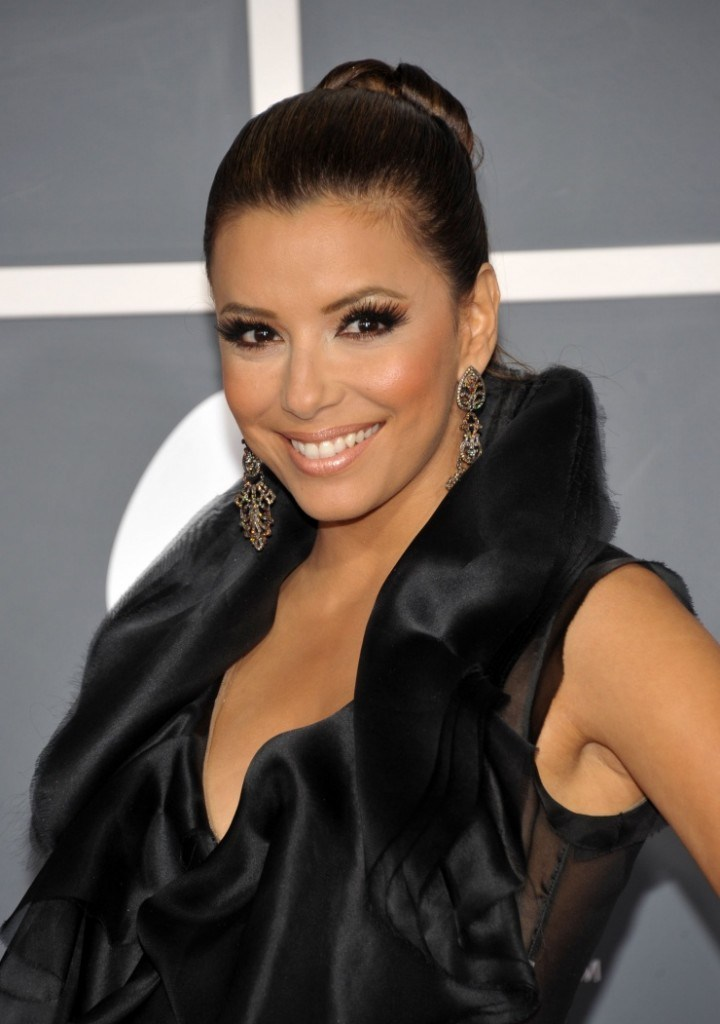 eva_longoria_the_53rd_annual_grammy_awards_red_carpet-720x1024