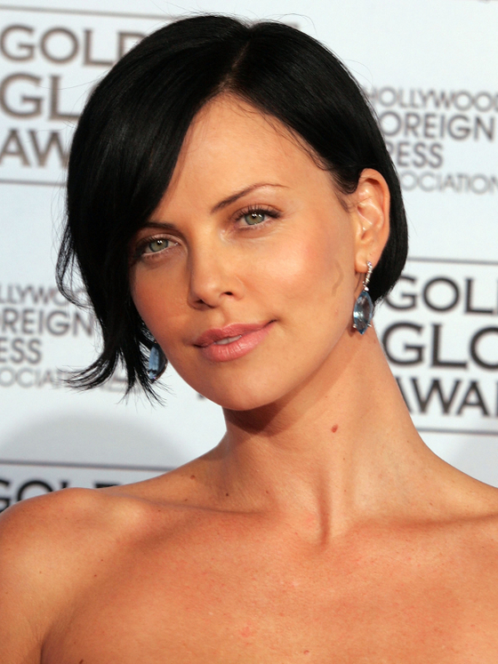 gallery_big_charlize-theron-aeon-flux-bob-hairstyle