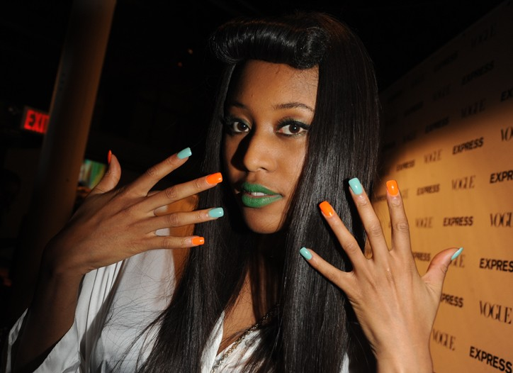 green-lipstick-vv-brown