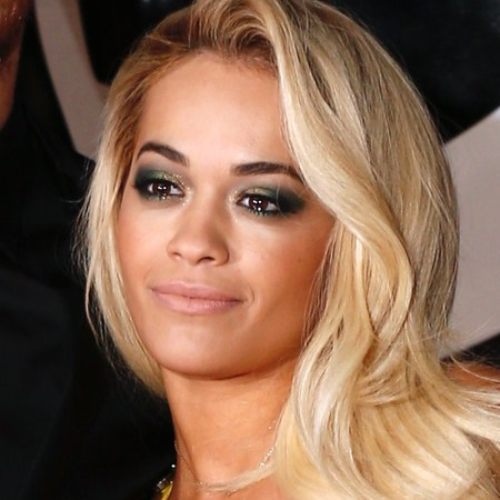 rita-ora-yellow-dress-calvin-harris-brits-2014-red-carpet-smoky-eyes-makeup-trend_1