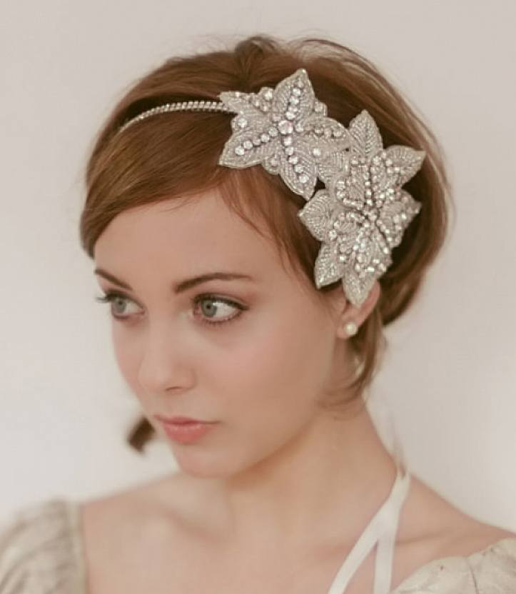 2015-short-wedding-hairstyle-with-headband-pitu