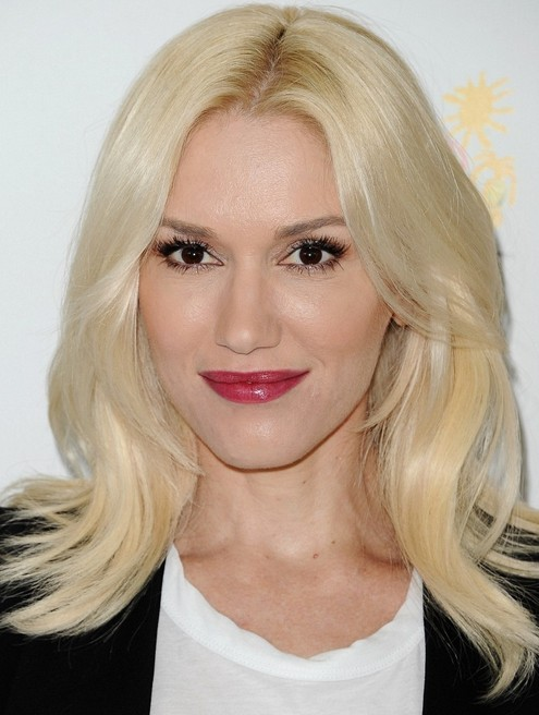 Gwen-Stefani-Long-Hairstyles-2014-Layered-Haircut