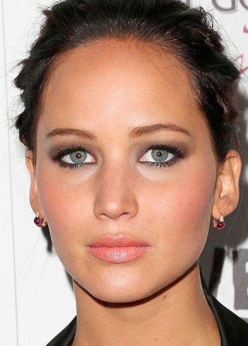 Best-celebrity-makeup-looks-for-green-eyes_04