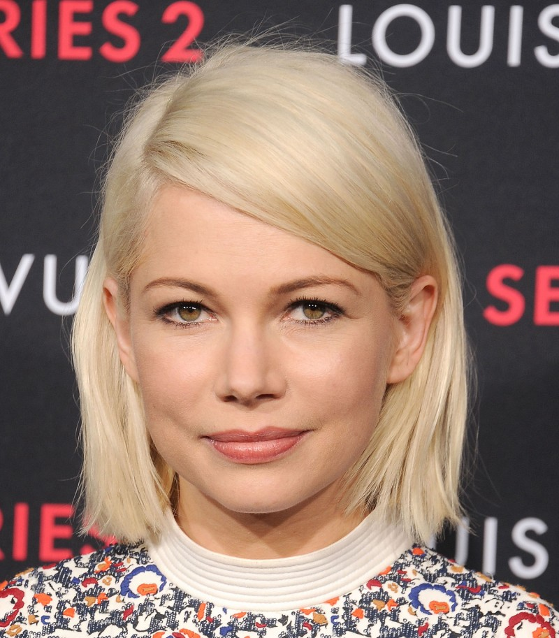 michelle-williams-glitter-eyeliner-main