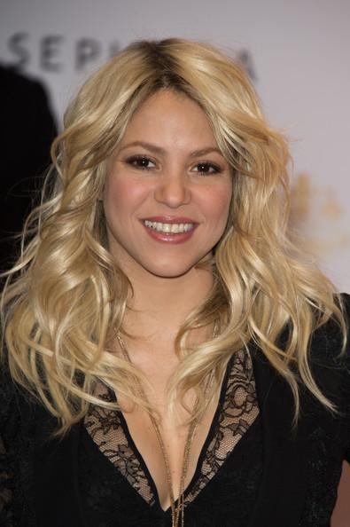 Shakira+Makeup+Nude+Lipstick+GCeMpxwXHtrl