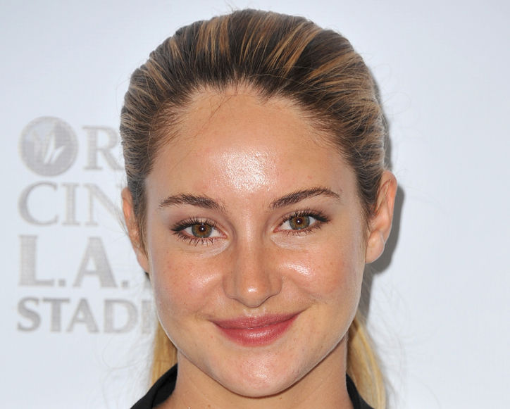shailene-woodley-might-want-to-invest-in-some-hd-finishing-powder-to-avoid-this-ever-happening-again