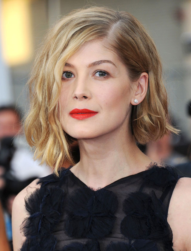 5-Celebrity-Bob-Hairstyles-for-Spring-2015-Rosamund-Pike
