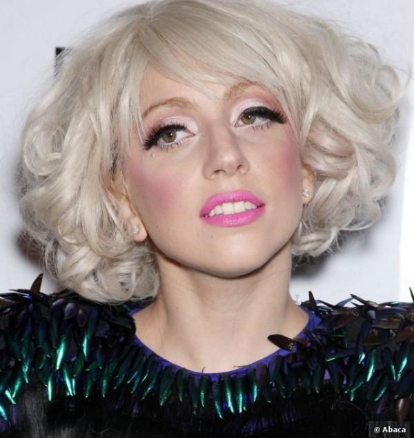 Lady-Gaga-Eyebrows-Look-Book-0-600x634