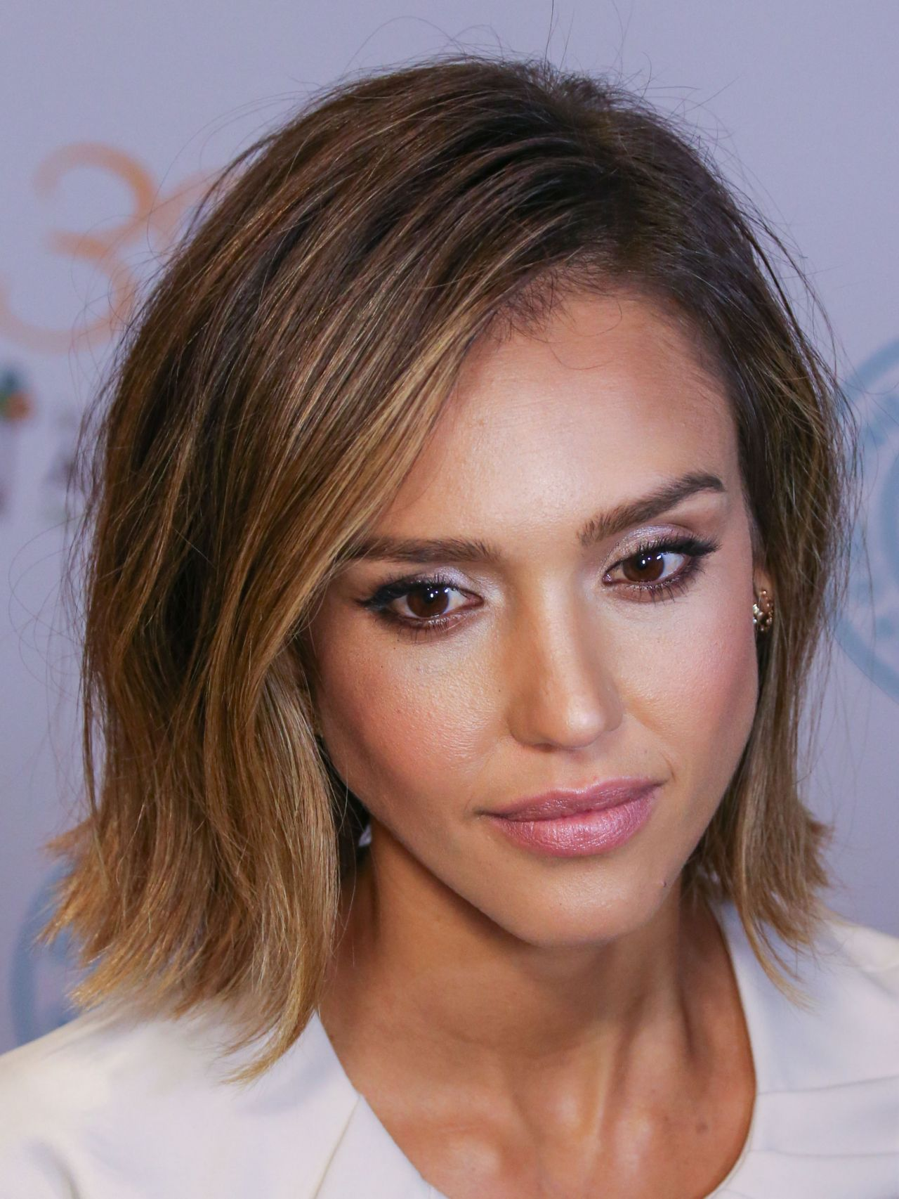 jessica-alba-independent-school-alliance-impact-awards-dinner-in-los-angeles_11