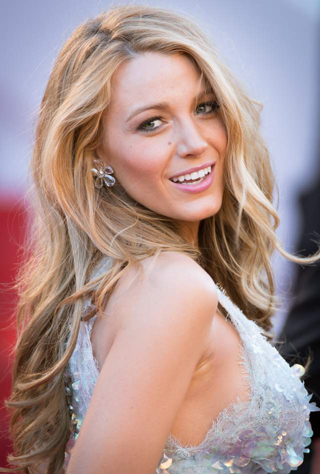 Blake-Lively-hair-makeup-Chanel-Couture-dress-sparkly-gown-Cannes-Film-Festival-Mr-Turner-premiere