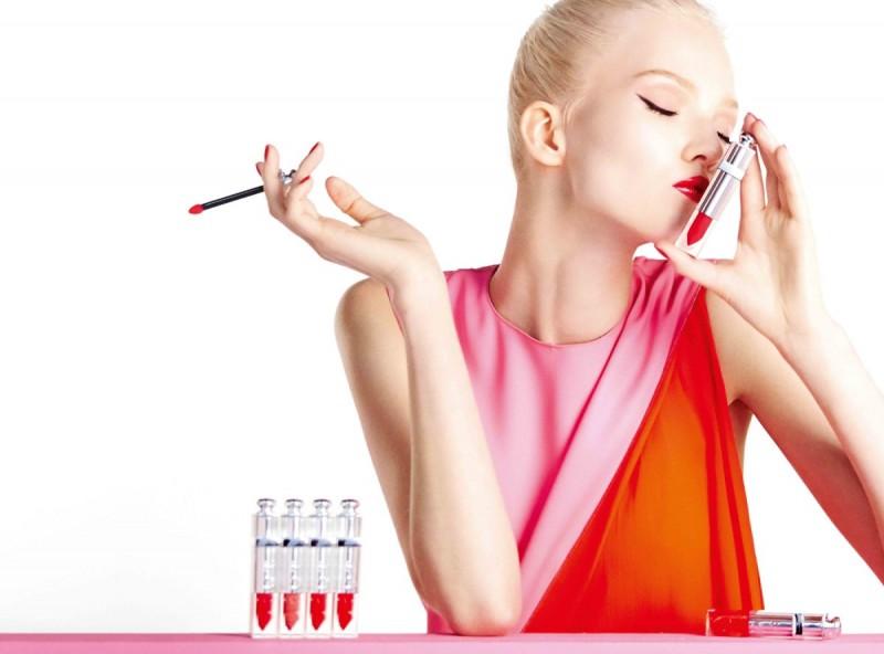 Sasha-Luss-Dior-Addict-Fluid-Stick-Ad-Campaign-Dailyfemalemodels-04
