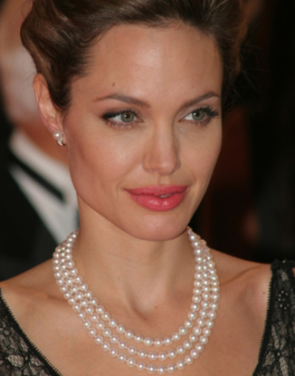angeline-jolie-stud-earrings-necklaces