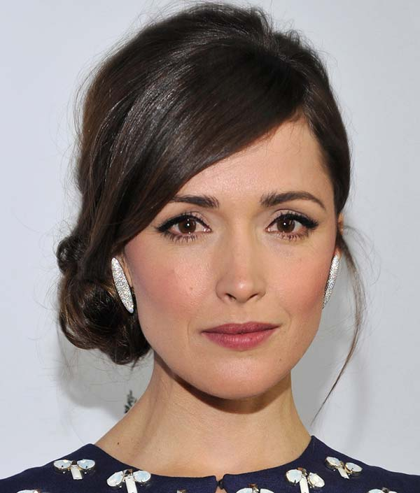 20_effortless_undone_buns_Rose_Byrne_loose_bun12