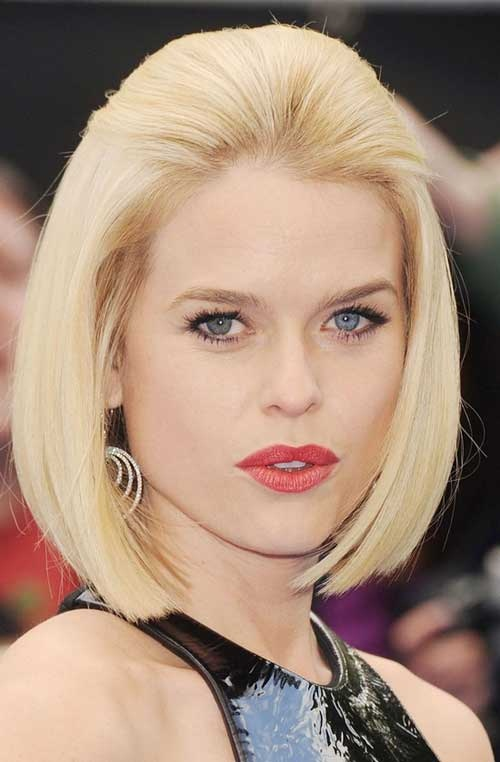 Straight-blonde-bob-hair