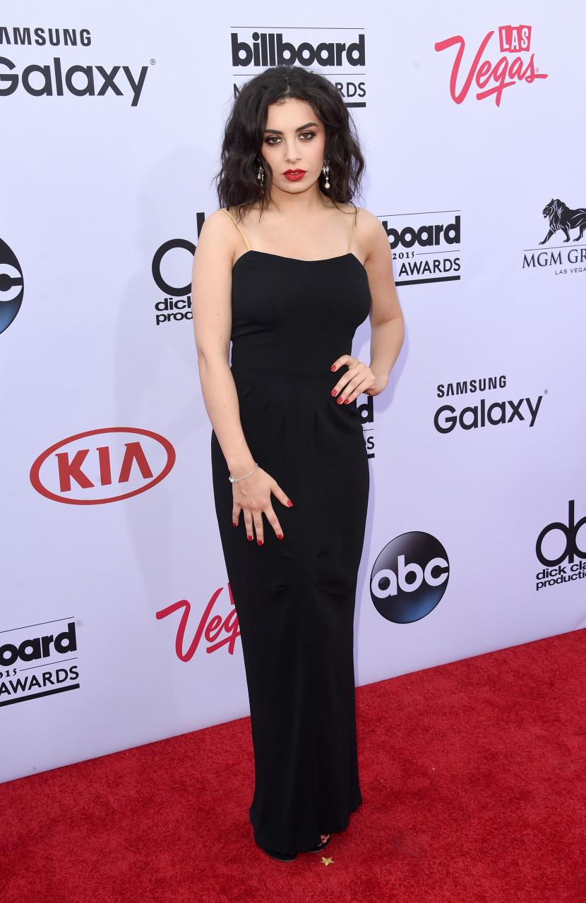 Charli-XCX-Billboard-Music-Awards-2015-black-dress-Fancy-red-carpet-830x1280