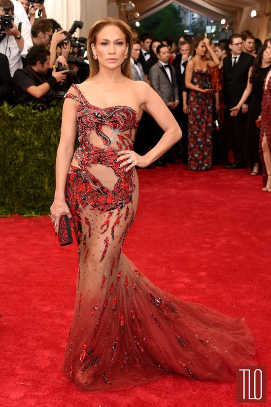 Jennifer-Lopez-2015-Met-Gala-Red-Carpet-Fashion-Atelier-Versace-Tom-Lorenzo-Site-TLO-2