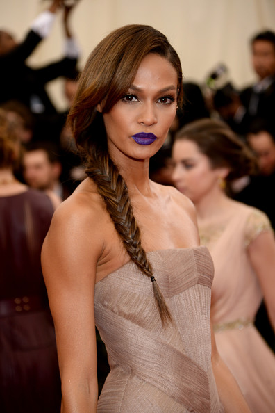 Joan-Smalls-Makeup-Dark-Lipstick