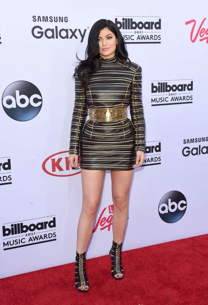 Kylie-Jenner---Billboard-Music-Awards-2015--18-662x973