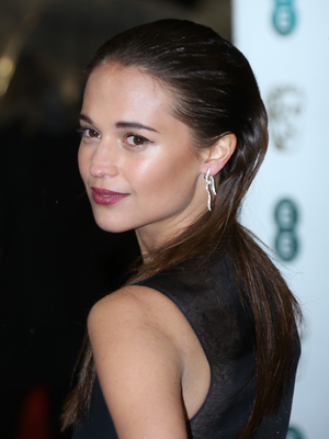 alicia-vikander-baftas-awards