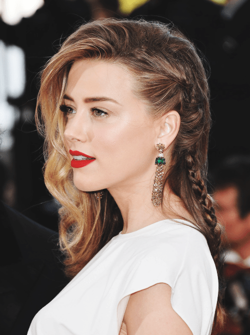 amber-heard-Long-Braided-Hairstyle