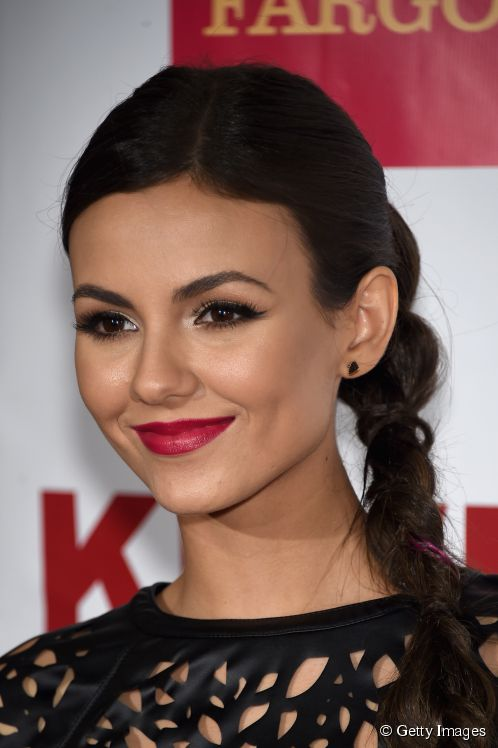 10272-actor-singer-victoria-justice-attends-498x0-2